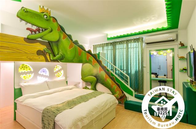 恐龍來了四人房照片_1