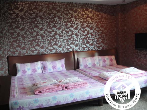 紫色歐風四人套房照片_1
