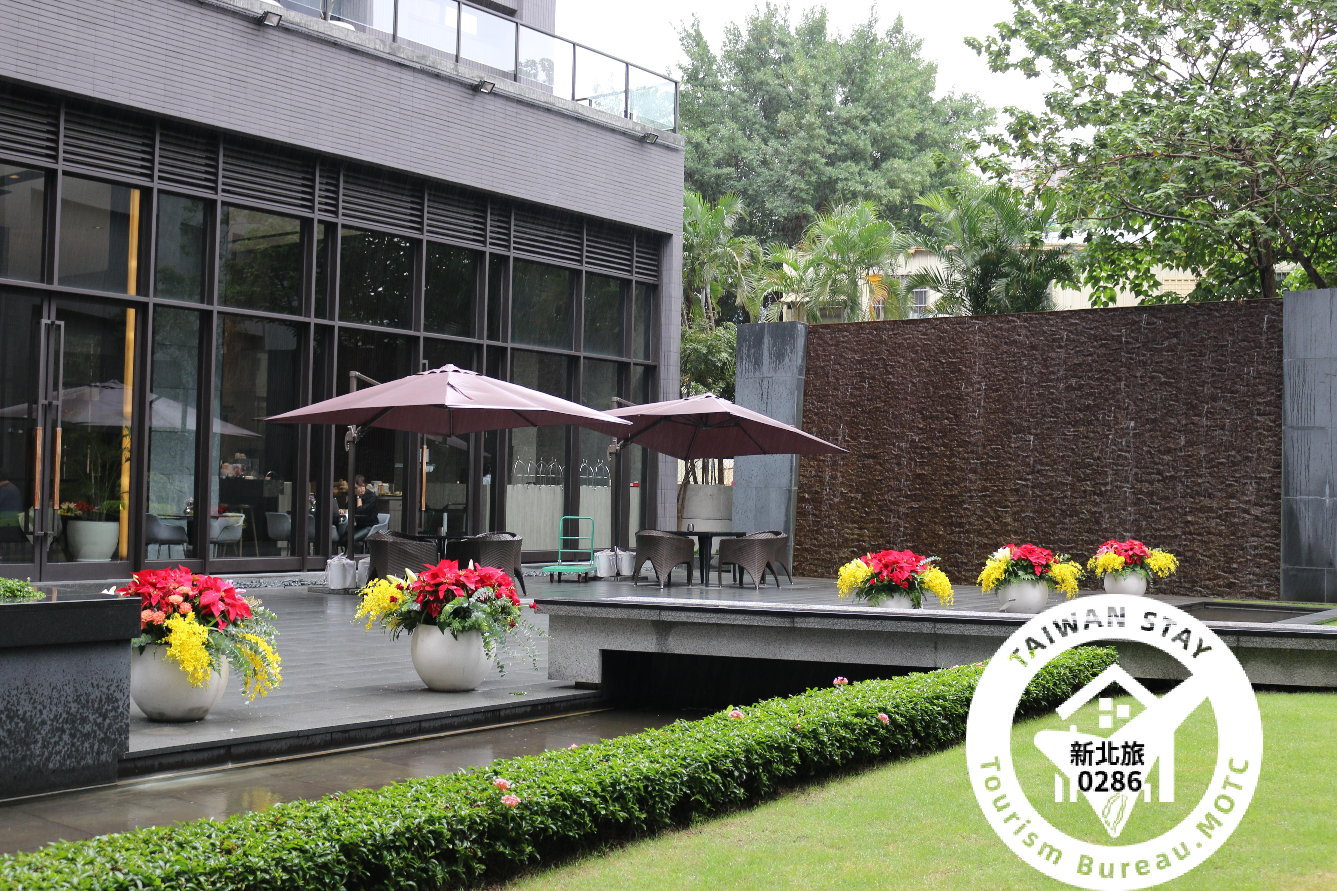 白金花園酒店