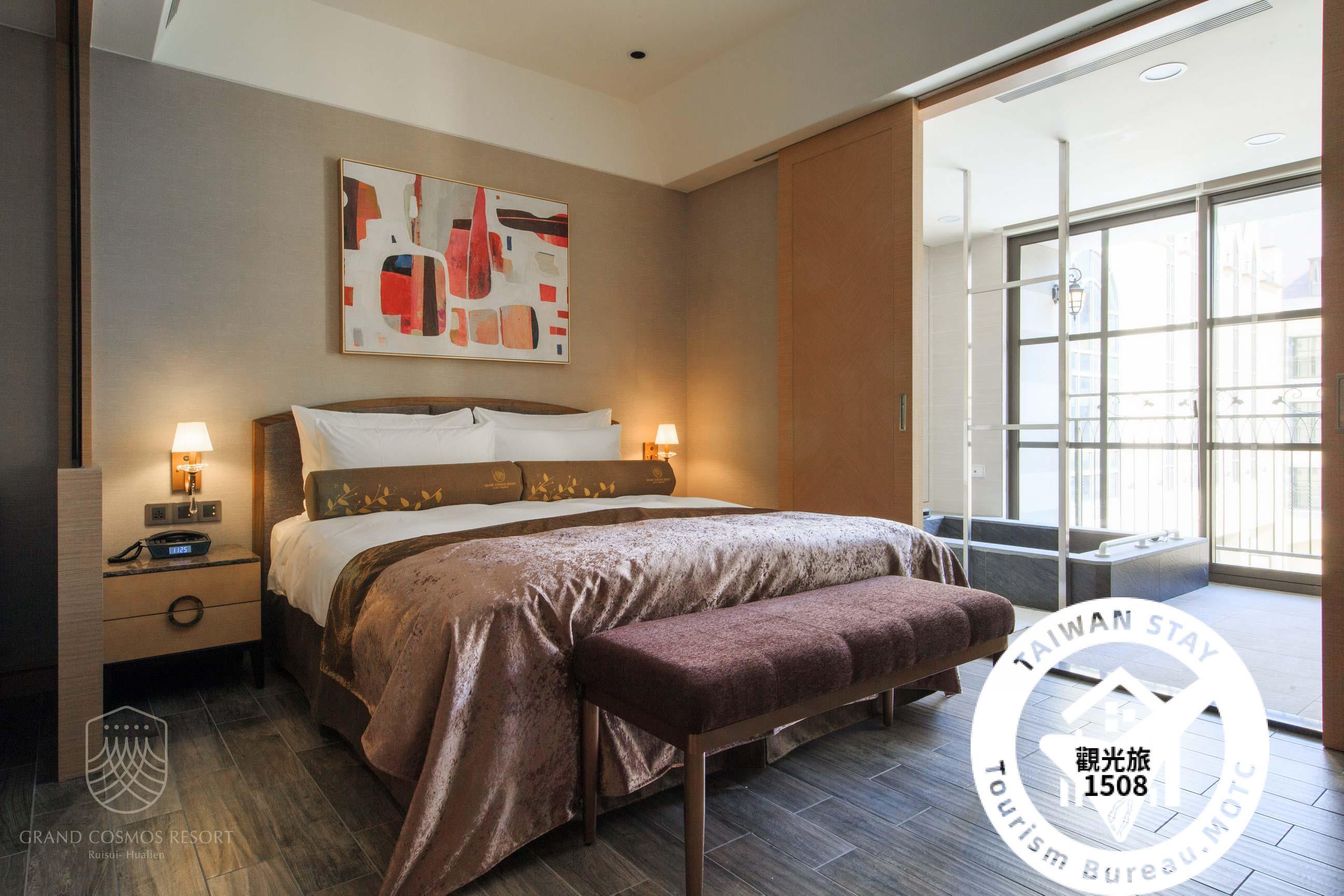 城堡精緻客房-一大床照片_1